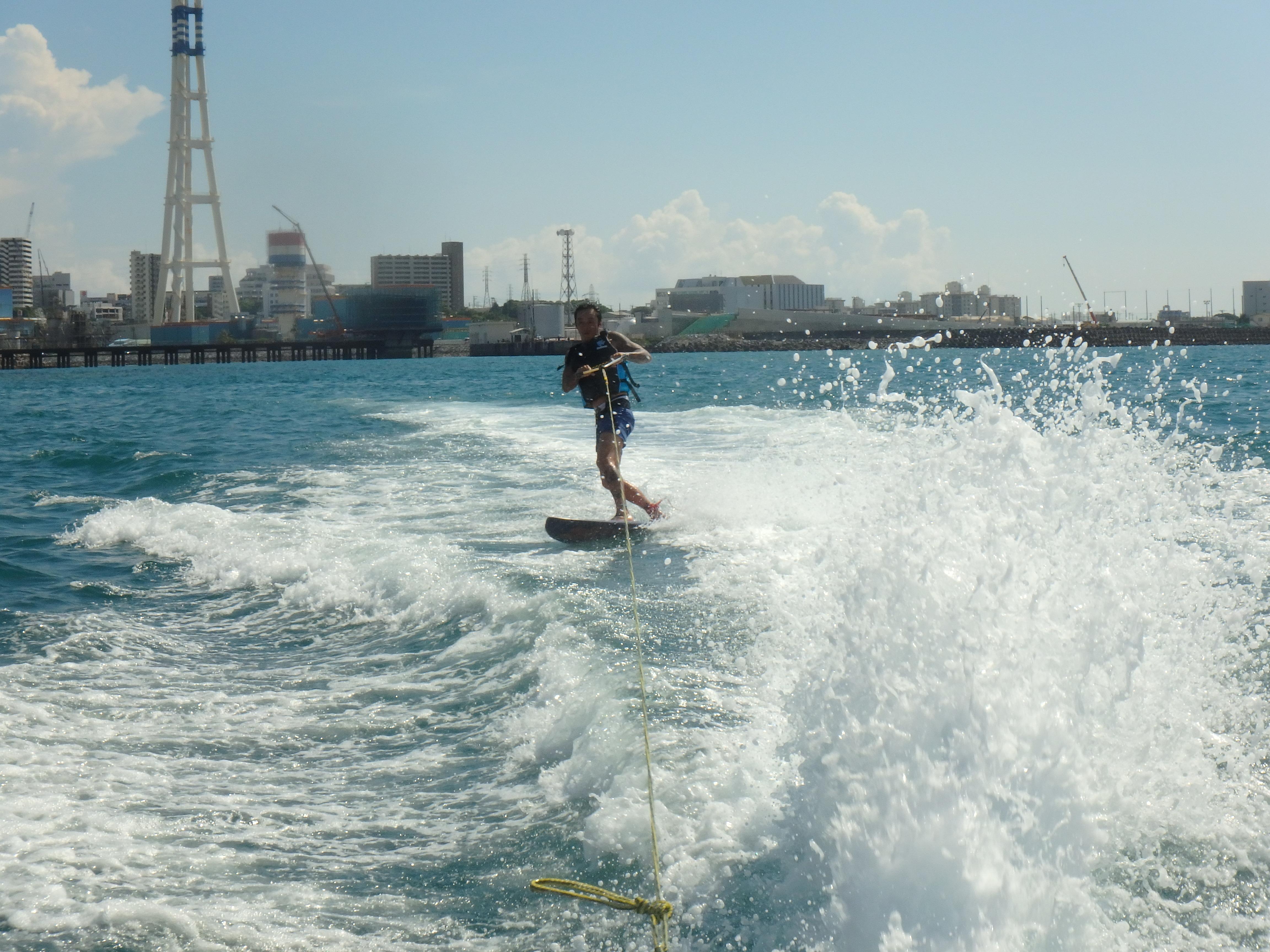 沖縄 ウエイクボード
